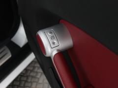 Mercedes-Benz-SLK-32