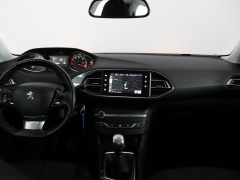 Peugeot-308-5