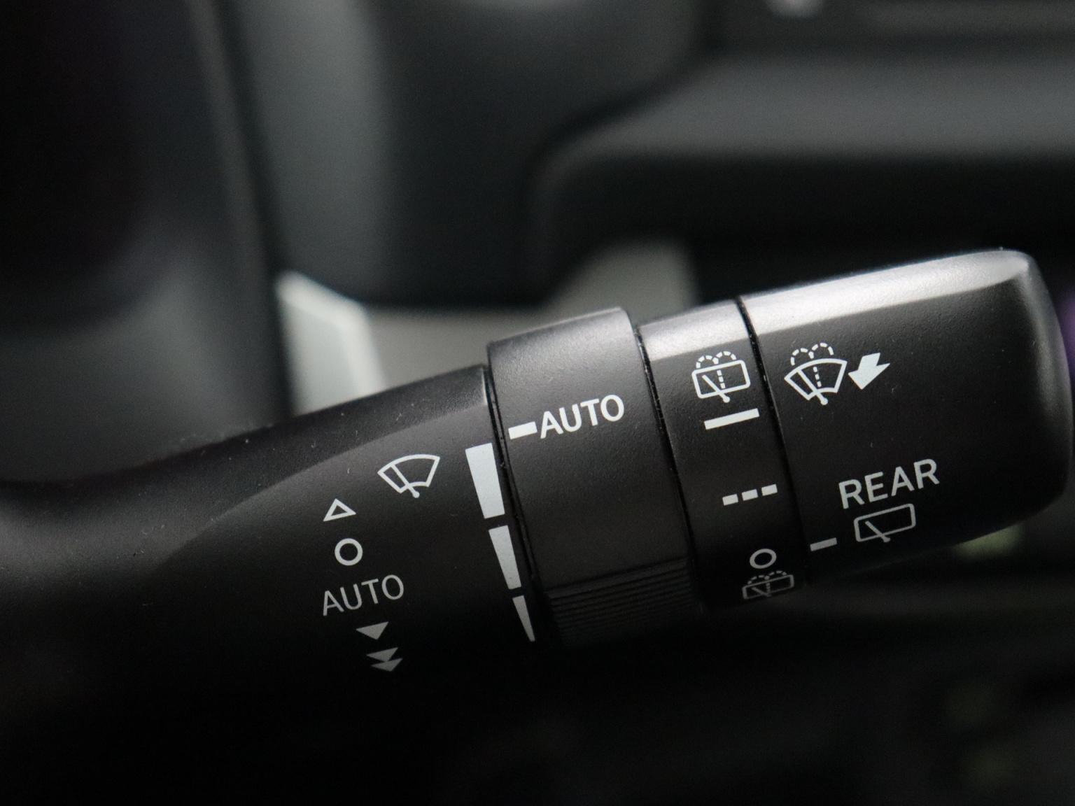 Lexus-CT-16
