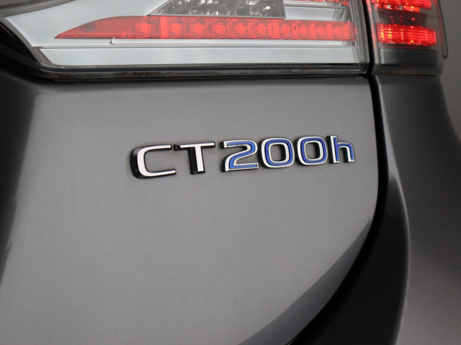 Lexus-CT-36
