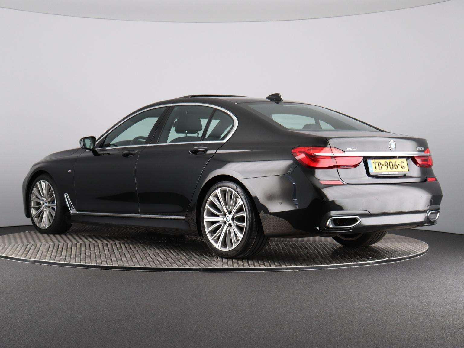 BMW-7 Serie-66