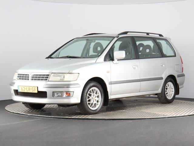 Mitsubishi-Space Wagon