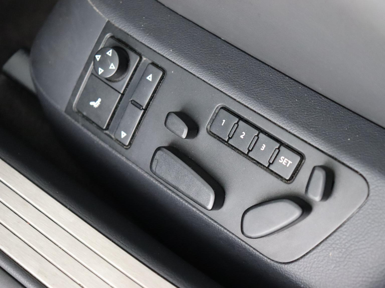 Volkswagen-Phaeton-20