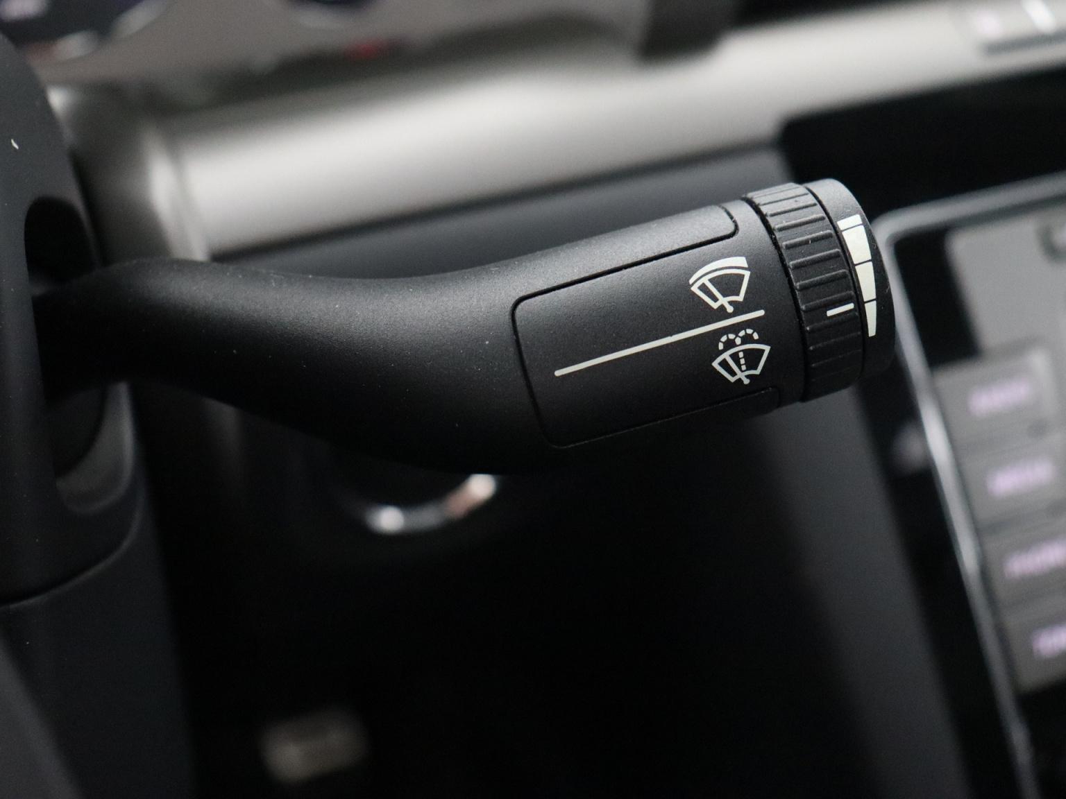 Volkswagen-Phaeton-16