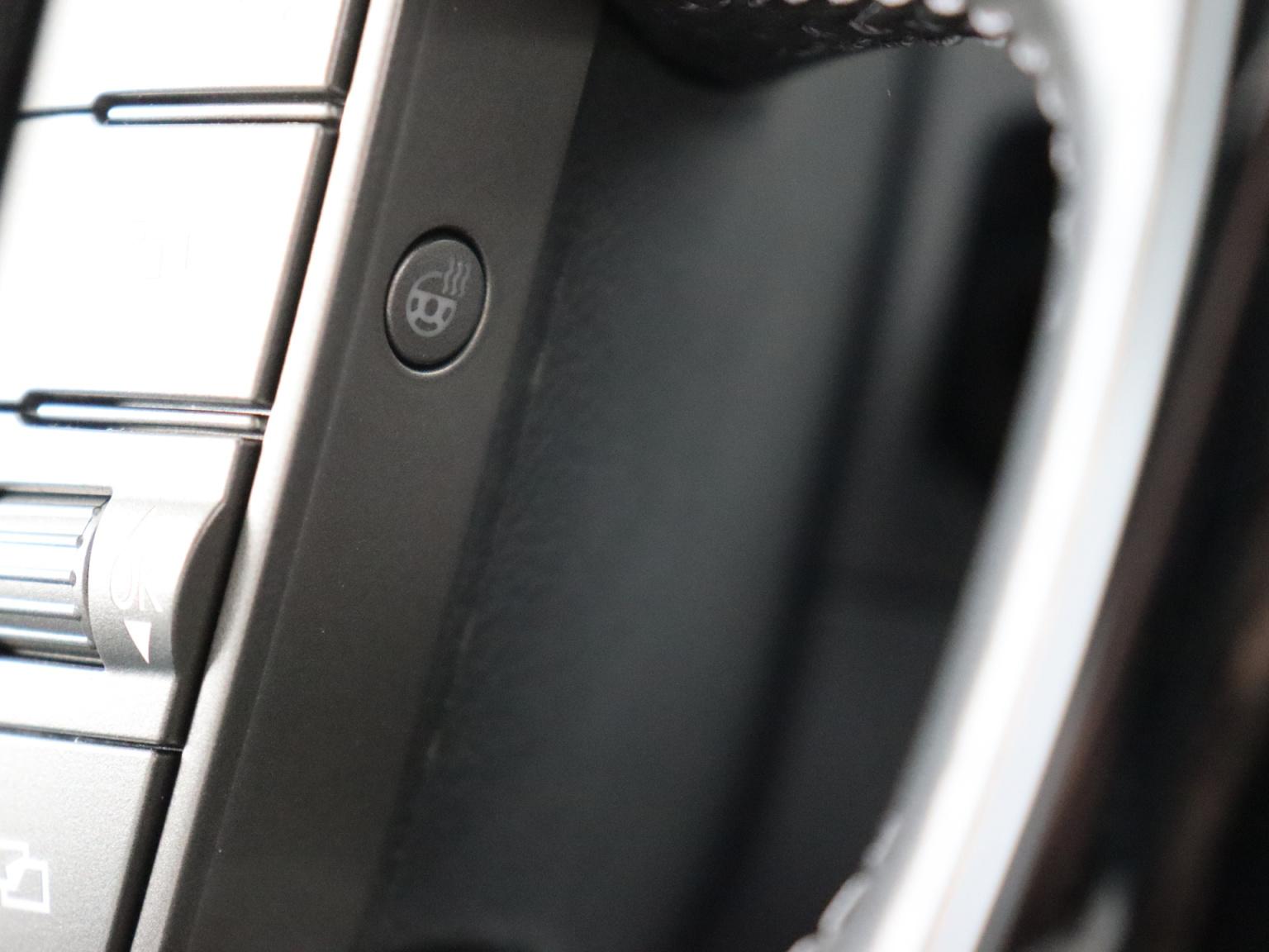 Volkswagen-Phaeton-34