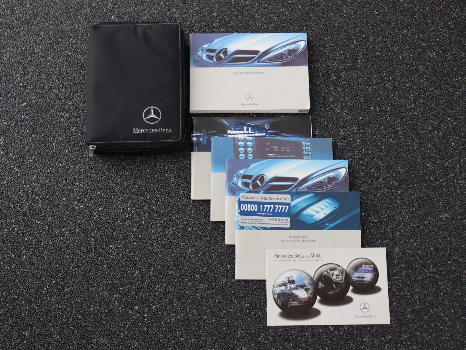 Mercedes-Benz-SLK-39