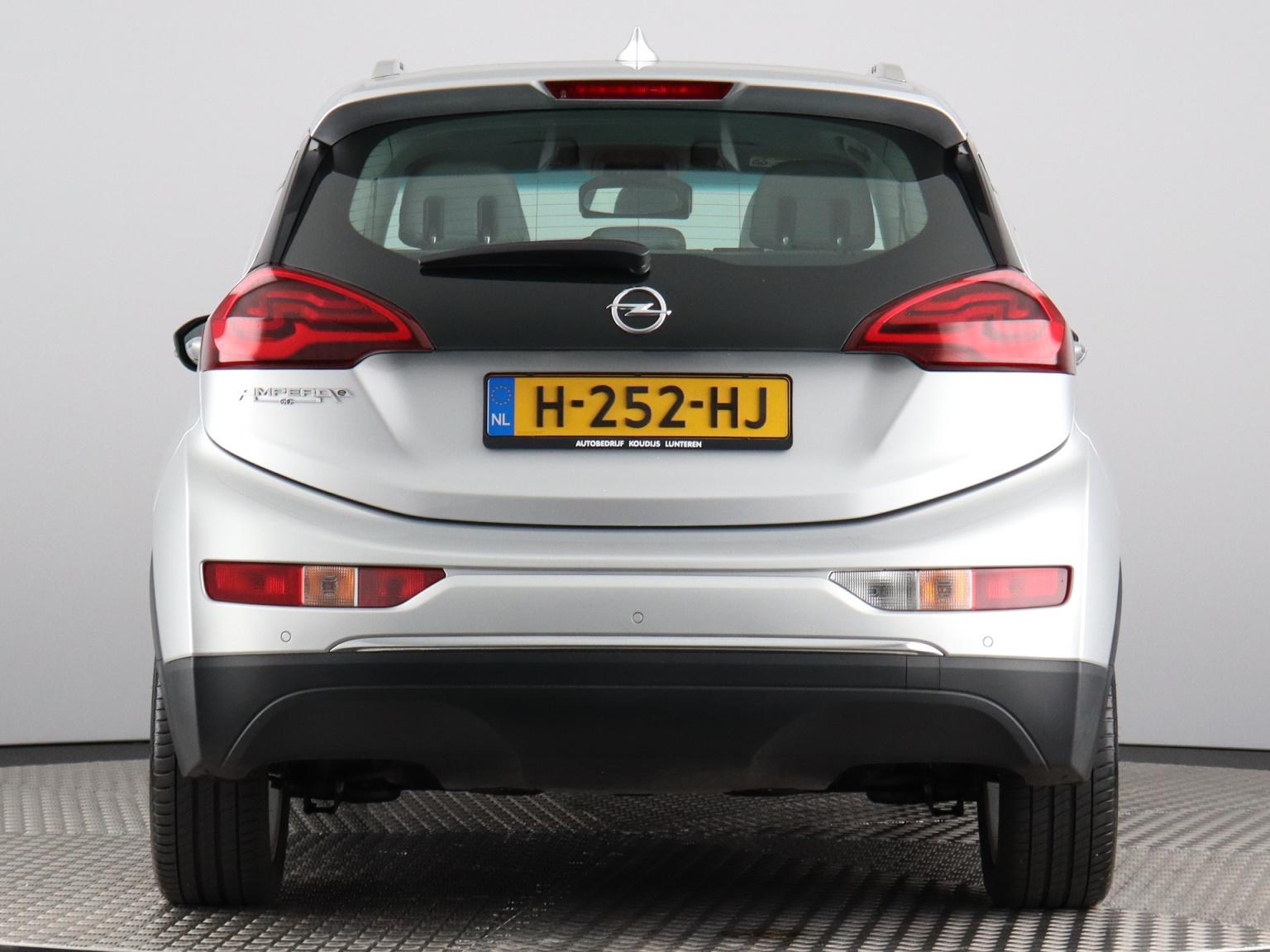 Opel-Ampera-E-59