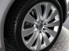 Volkswagen-Phaeton-62