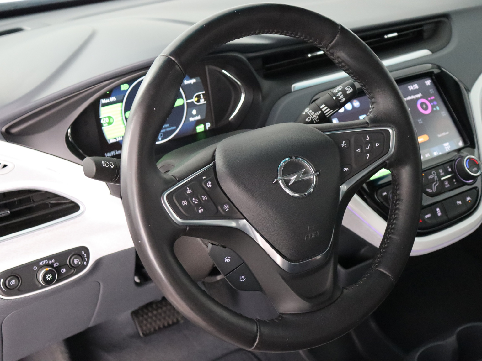 Opel-Ampera-E-18