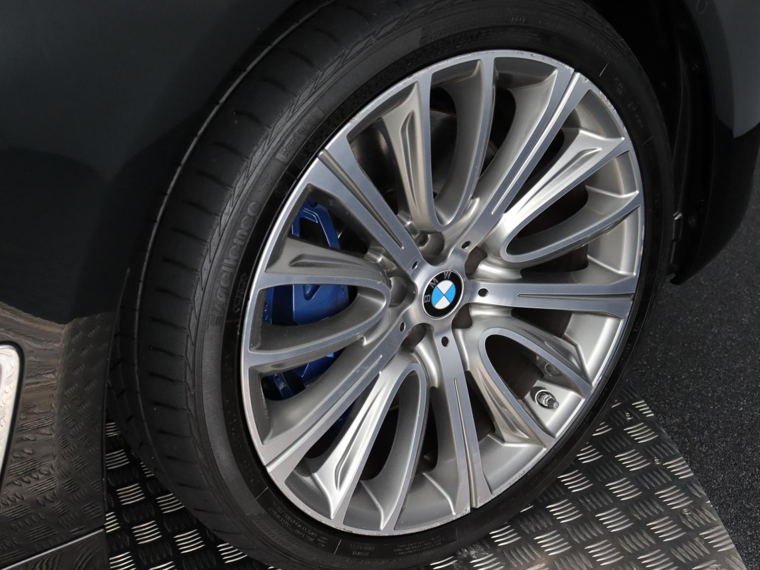 BMW-7 Serie-55