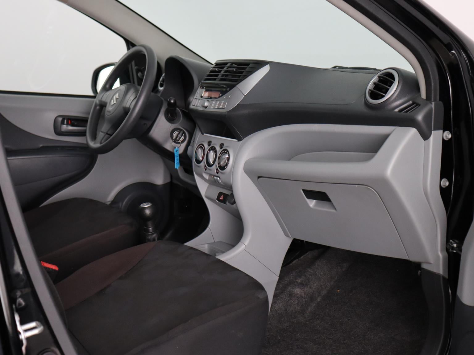 Suzuki-Alto-27