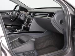 Volkswagen-Phaeton-50