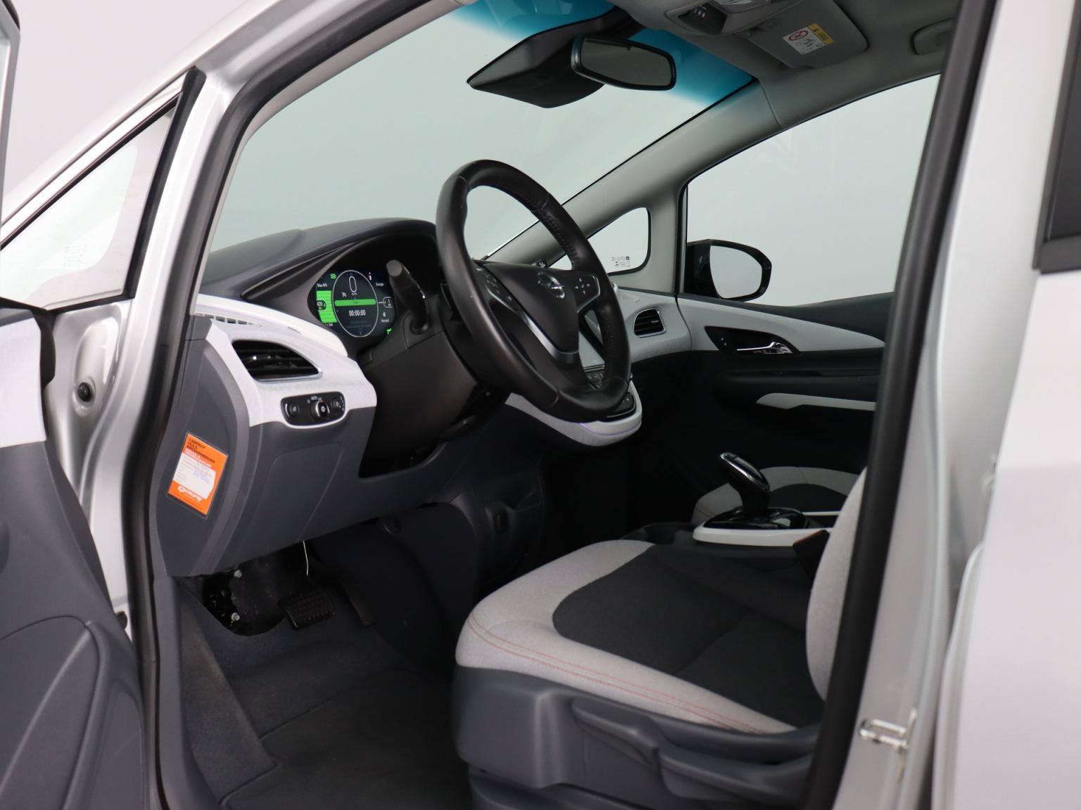 Opel-Ampera-E-8