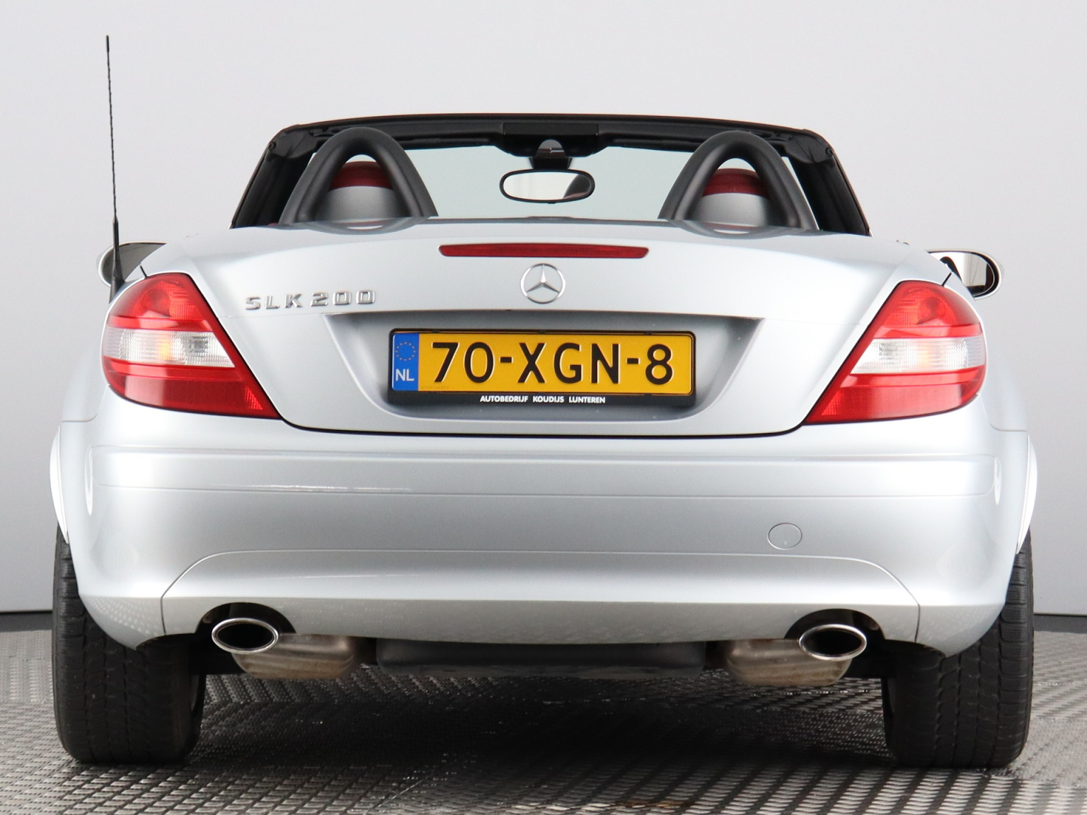 Mercedes-Benz-SLK-43
