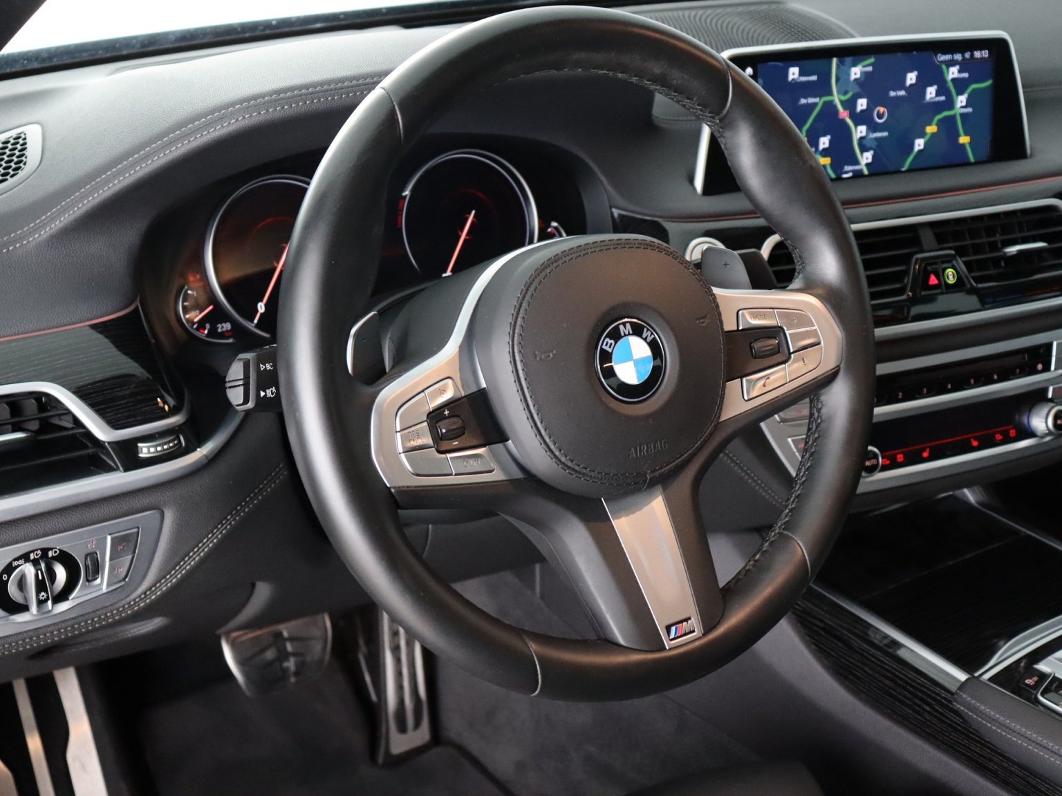 BMW-7 Serie-19