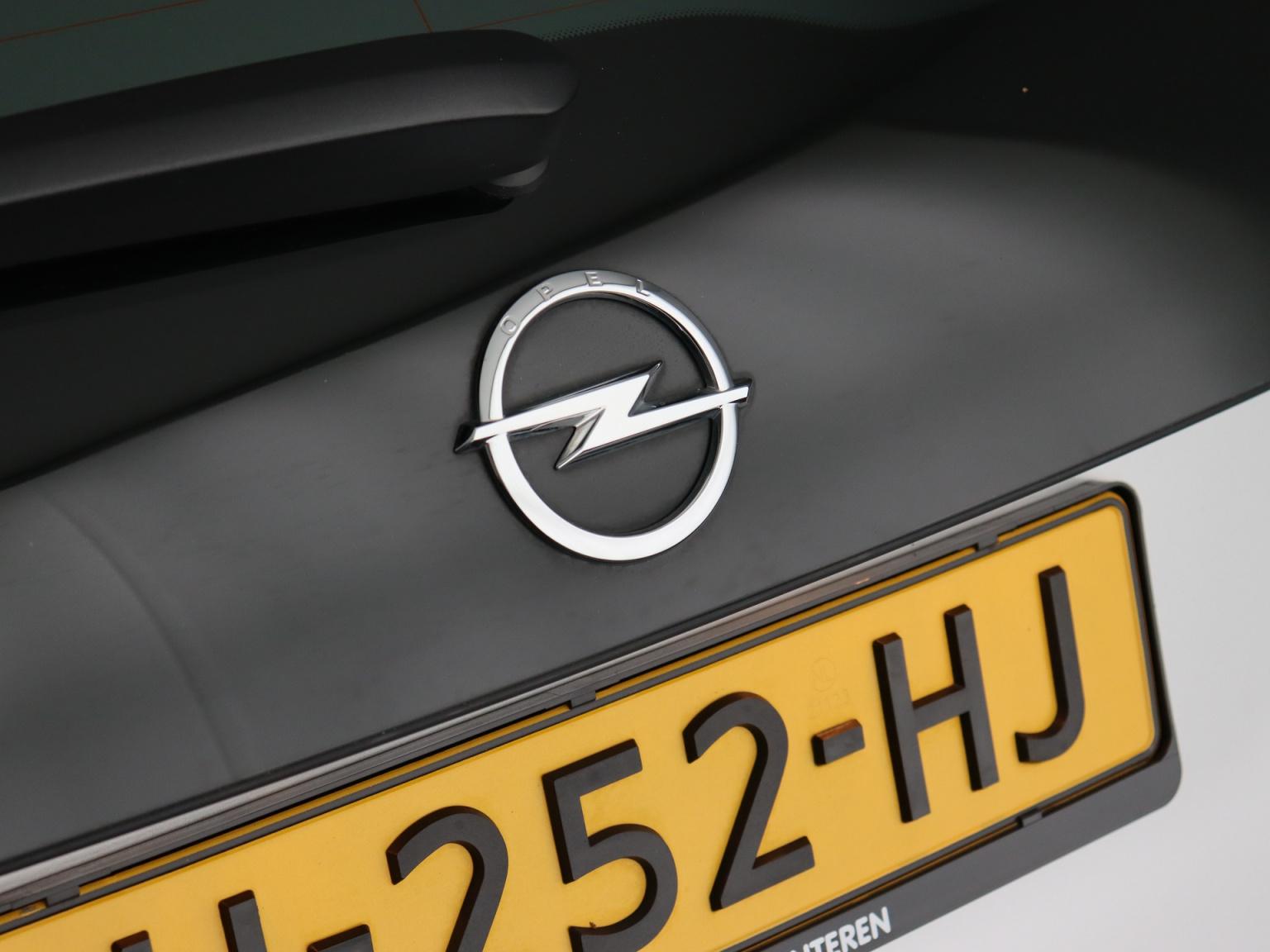 Opel-Ampera-E-39