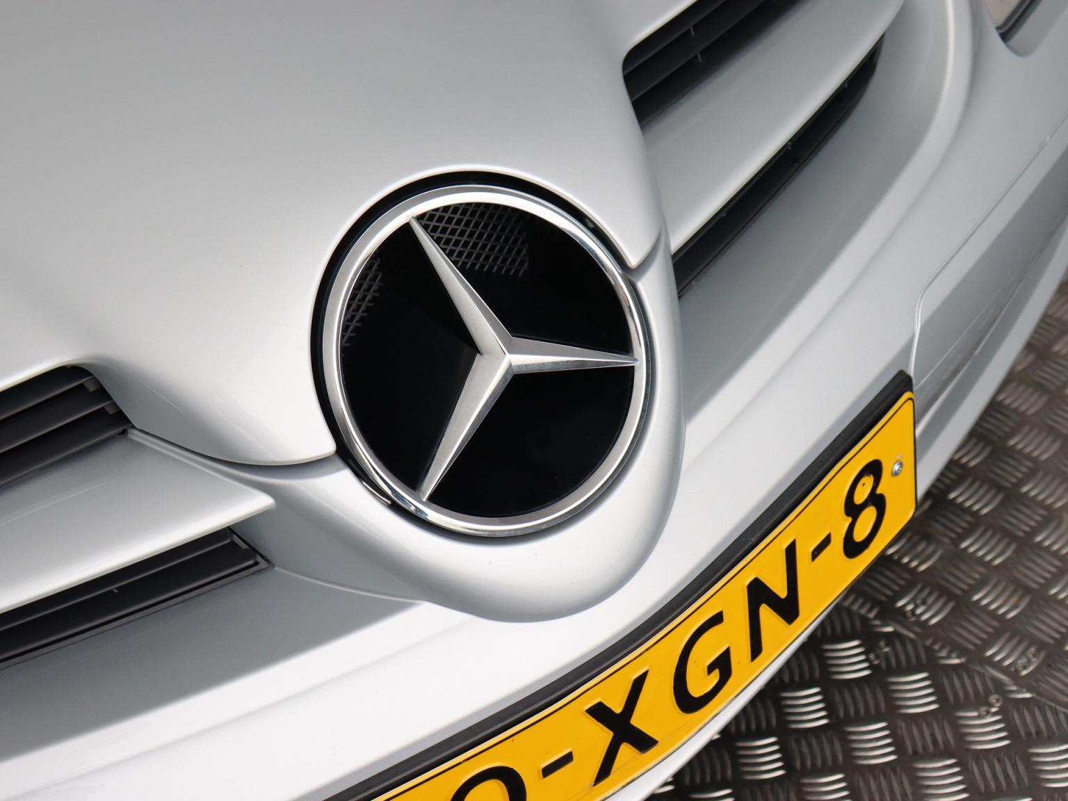 Mercedes-Benz-SLK-35