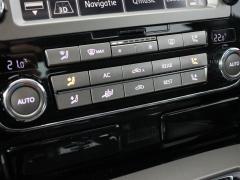 Volkswagen-Phaeton-15