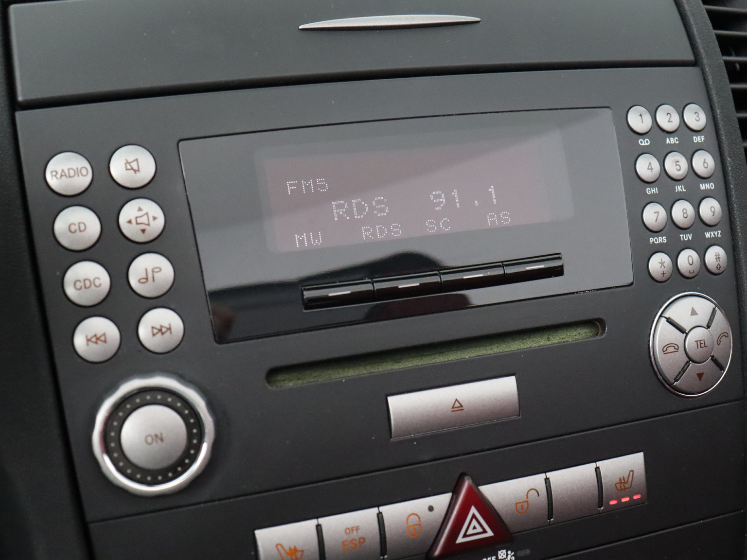 Mercedes-Benz-SLK-10