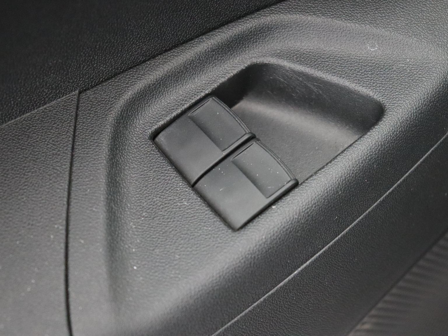 Peugeot-108-28