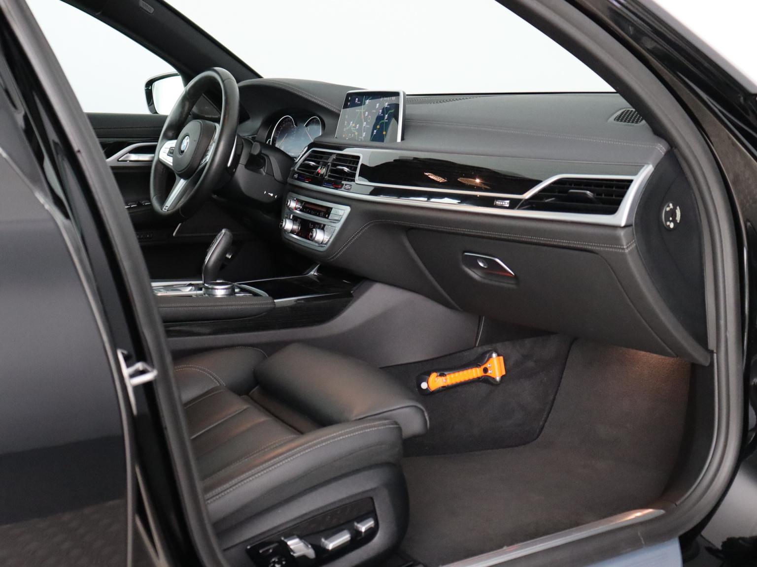 BMW-7 Serie-48