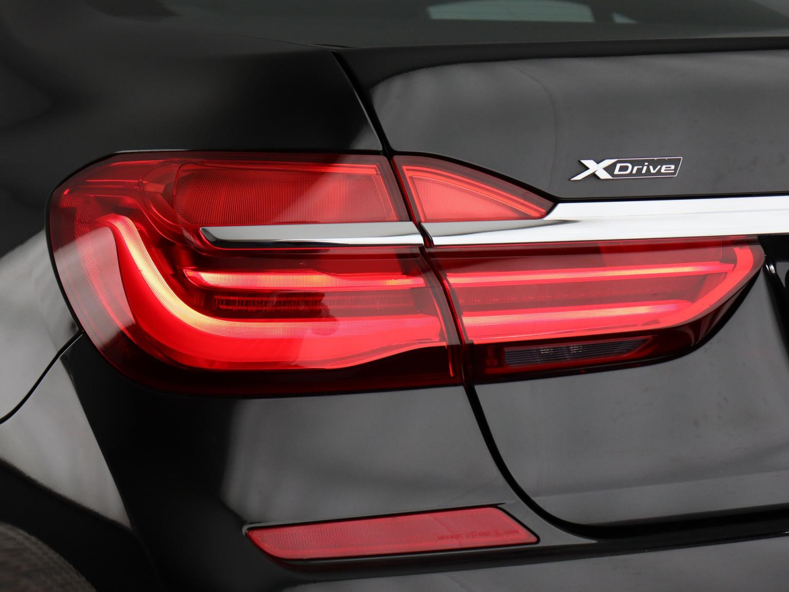 BMW-7 Serie-41
