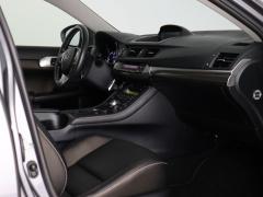 Lexus-CT-41