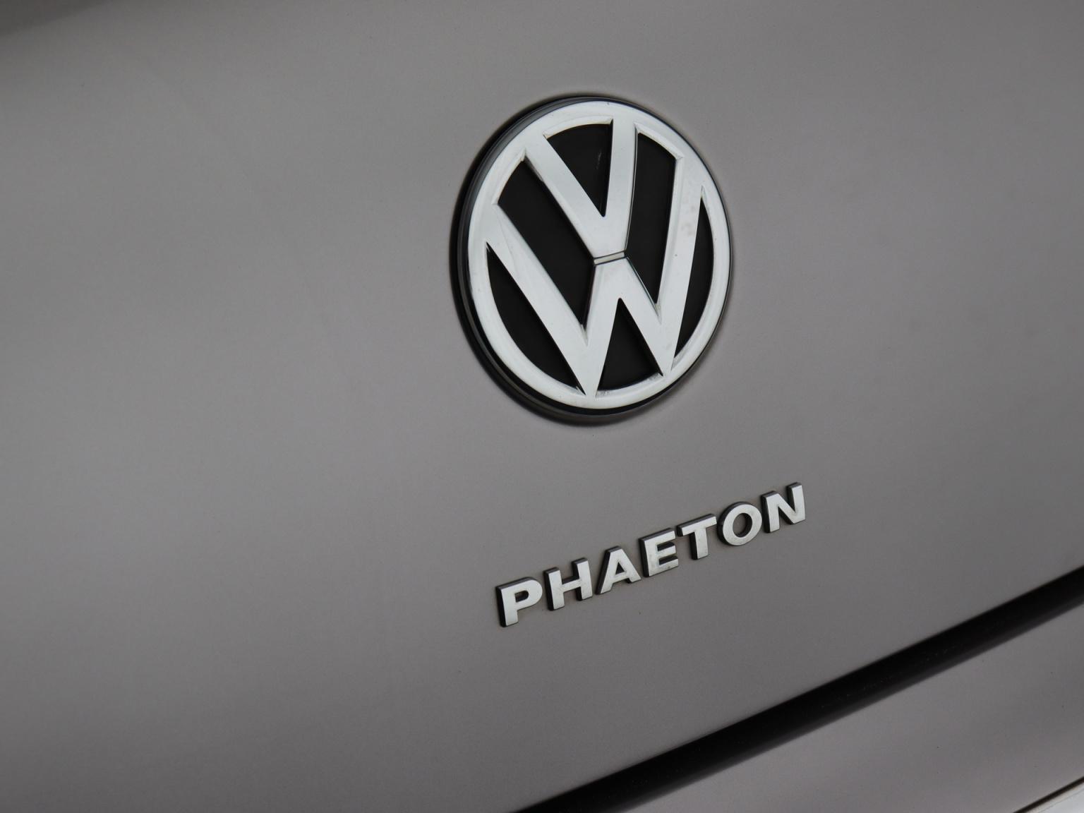 Volkswagen-Phaeton-45