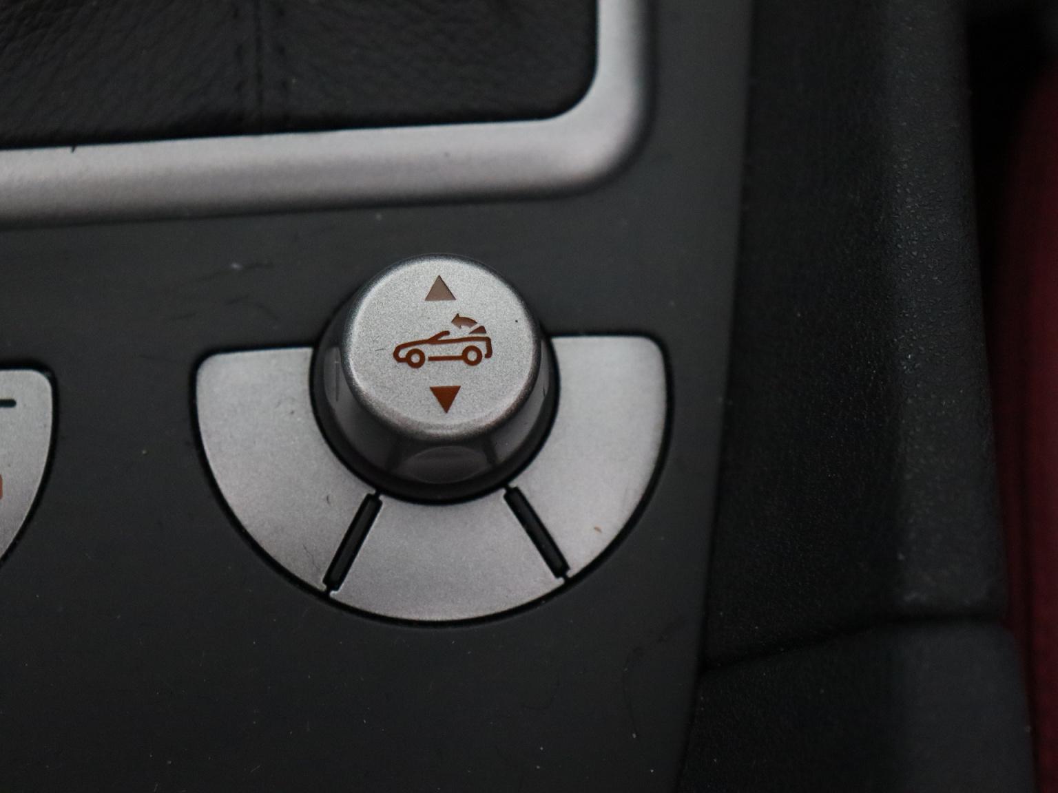 Mercedes-Benz-SLK-20
